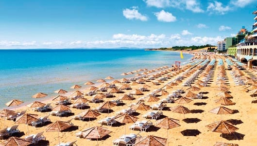 """Unverified warning claims """"corrupt"""" men trafficking women at Sunny Beach in Bulgaria"""