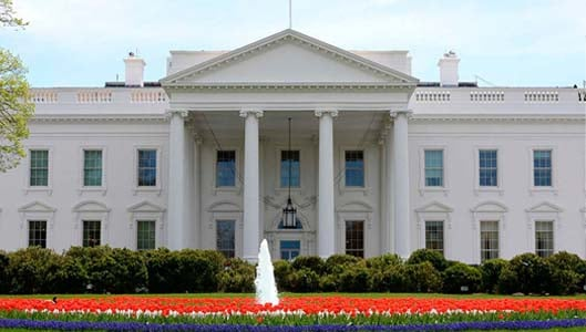 Is the White House white after paint was used to cover burns after 1814 British attack?