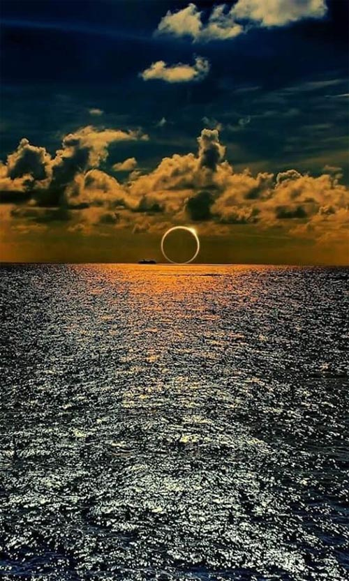 Here are the fake photos of the 2017 solar eclipse spreading